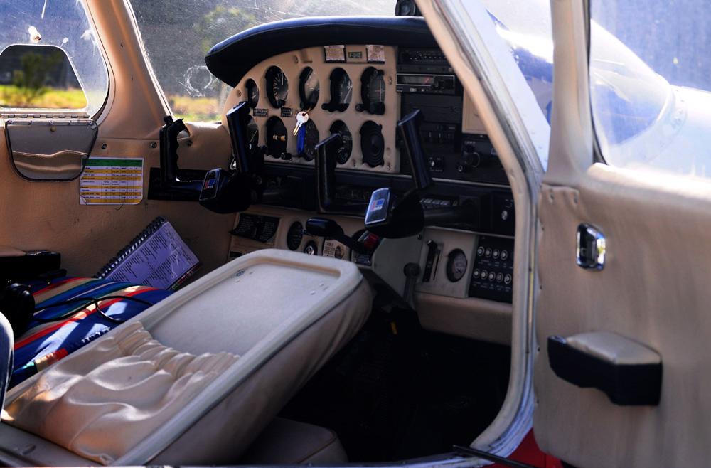 cabine-pilotage-avion-bretagne-secrete