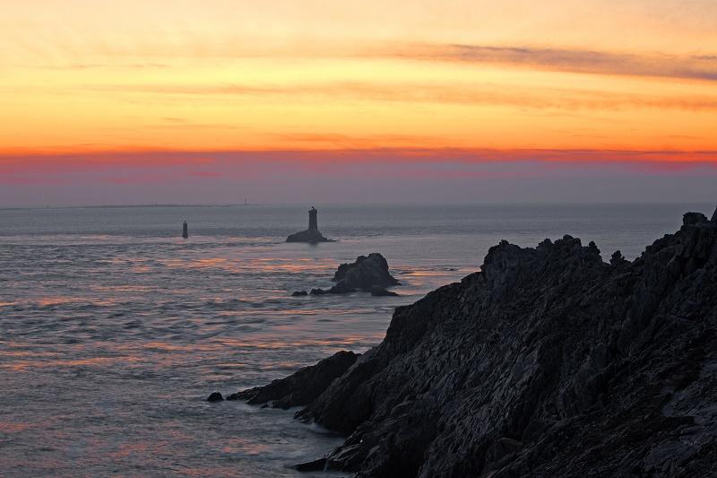 Coucher de soleil sur la Pointe du Raz, Ouest Cornouaille